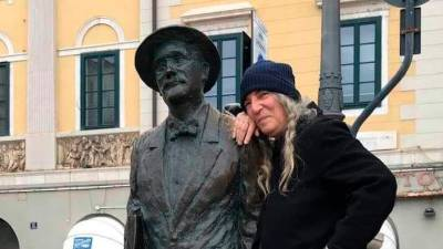 Patti Smith ob kipu Jamesa Joycea (VIGNA PR/FACEBOOK)