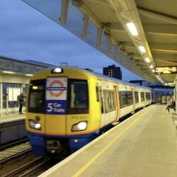 Primestni vlak London Overground (SPLET)